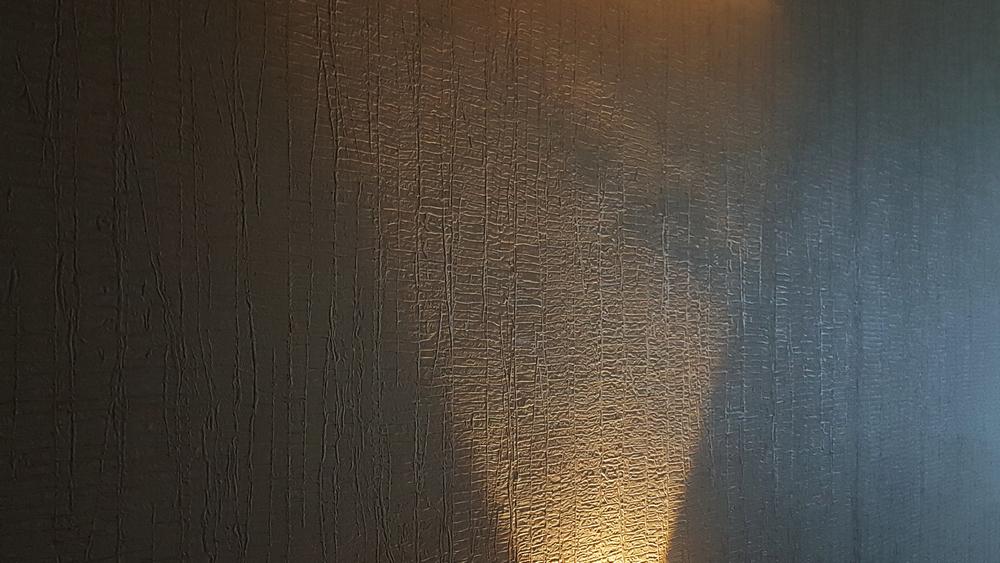 Выравнивать ли стены перед поклейкой обоев